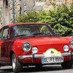 Die Zieleinfahrt am Markt: Der Fiat 850 Coupe ist schon über 30 Jahre alt.