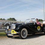 Mit offenem Verdeck unterwegs war der MG TF aus dem Jahr 1954.
